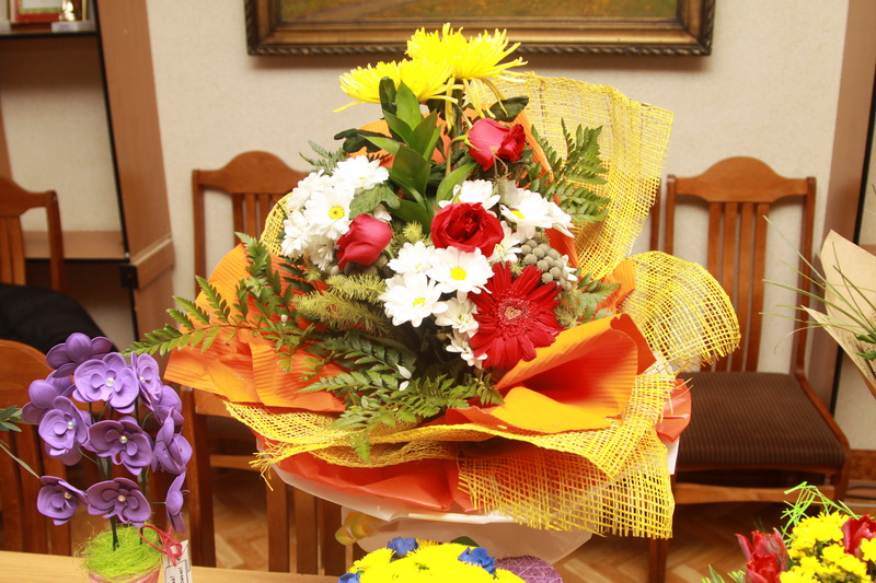 Цветы, оригинальные цветочные букеты для выставки