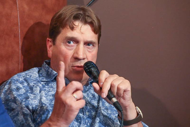 Александр Тюлин на спорном разговоре.