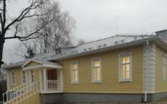 В Овстуге восстанавливают историческое здание школы