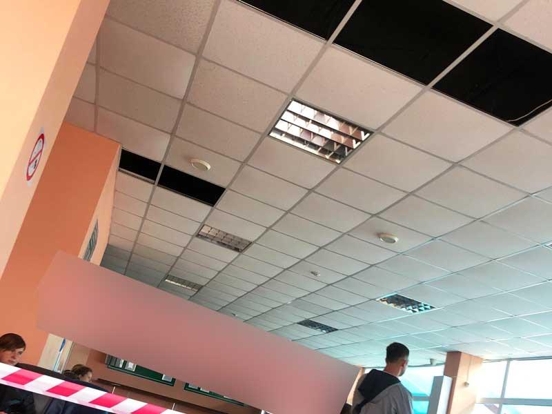 """Брянцы возмутились позорным ремонтом здания международного аэропорта """"Брянск"""""""