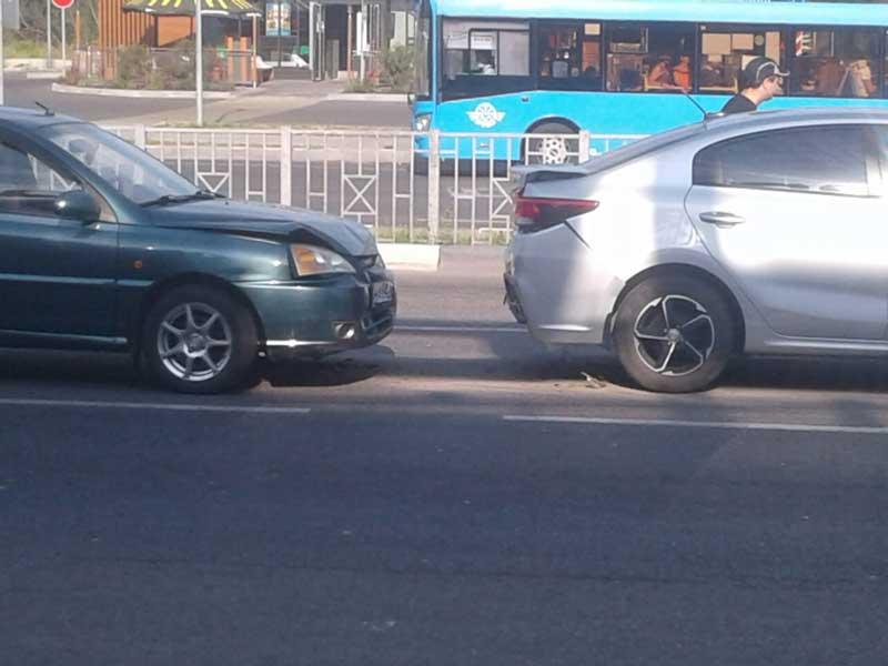 В Бежице у «Линии» произошла массовая авария