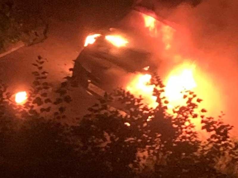 В Володарке в Брянске ночью сгорел автомобиль