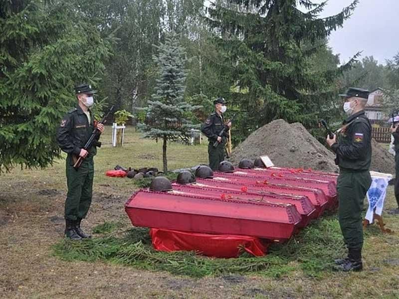 В брянском поселке Березовка перезахоронили 58 воинов