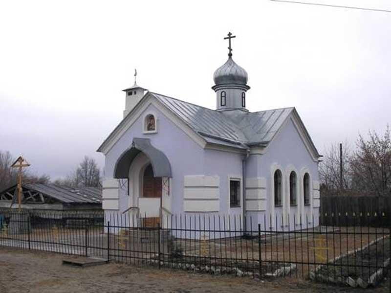 В Белых Берегах жителей зовут на субботник в храм и на кладбище