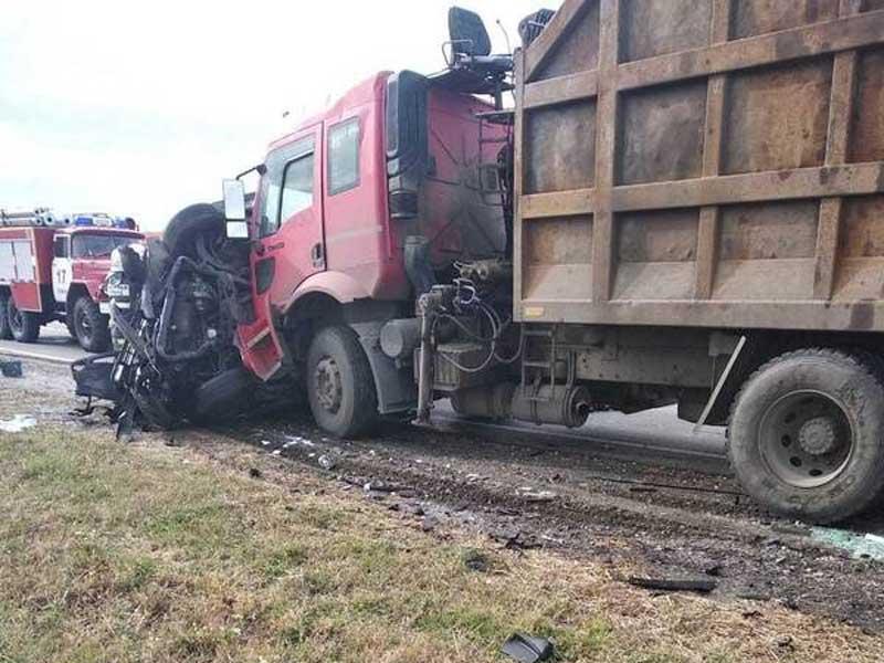 Под Севском произошло страшное ДТП с грузовиком