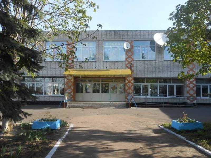 В брянском селе отремонтировали крышу школы