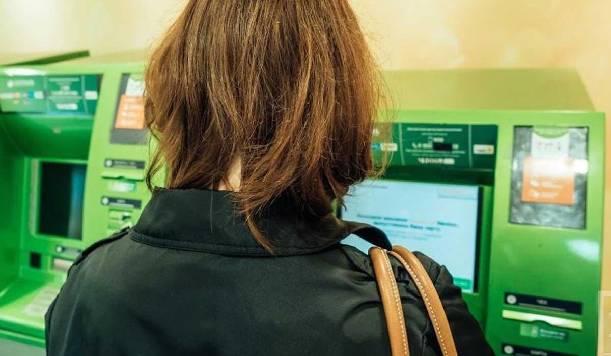 Сбербанк обещал ждать до 5 дней возврата заблокированных денег