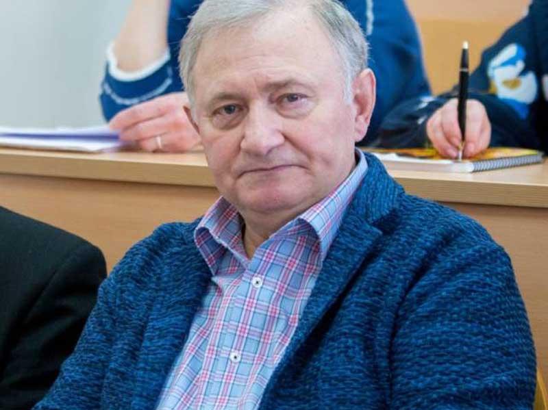 В Брянске от коронавируса умер известный адвокат Виктор Панкратов