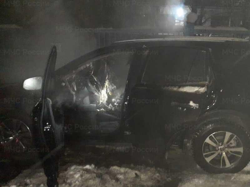 В Брянске подожгли внедорожник генерального директора телеканала Марии Сергеенко
