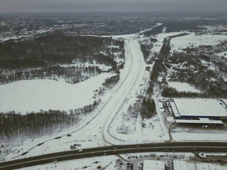 Опоры со светильниками установили на дороге от «Metro» до вокзала Брянск-I