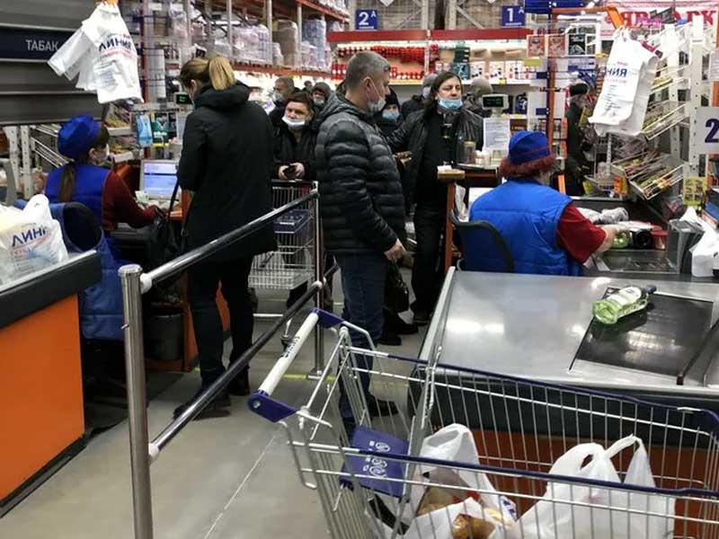 Нервный мужчина разбил голову кассиру в брянском гипермаркете «Линия»