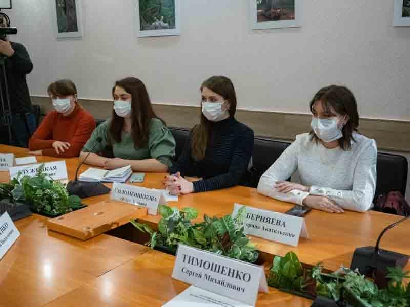 Брянский губернатор Богомаз провел встречу с обманутыми дольщиками дома на Станке Димитрова