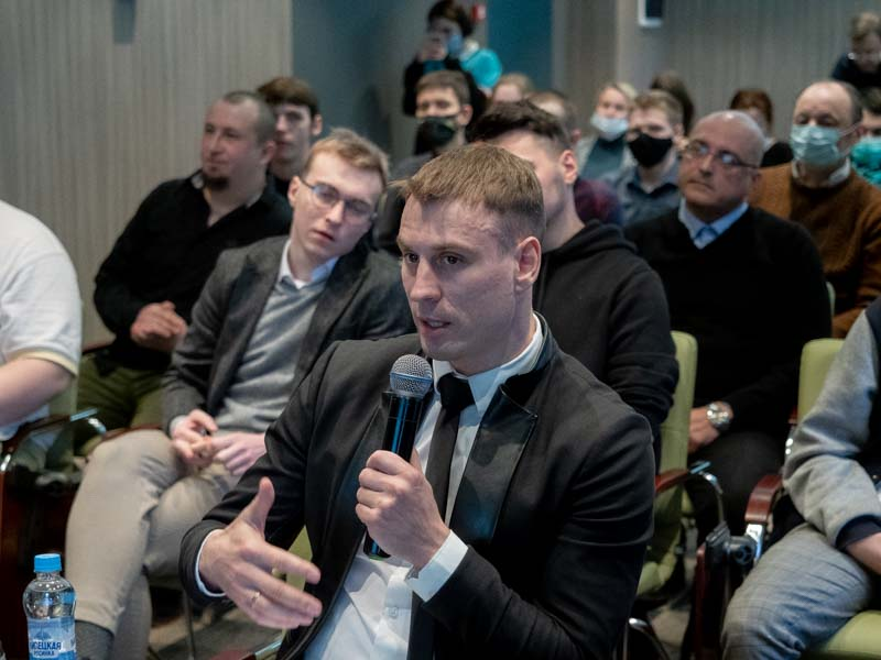 «Новые люди» поддержали развитие спорта и образования в Брянской области