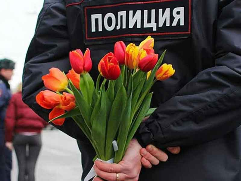 Глава УМВД по Брянской области Владислав Толкунов поздравил женщин с 8 Марта