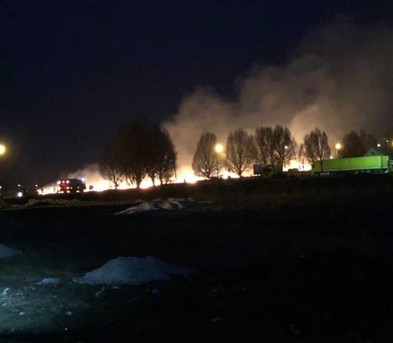 Под Брянском, в посёлке Чайковичи, ликвидирован пожар из-за поджога травы