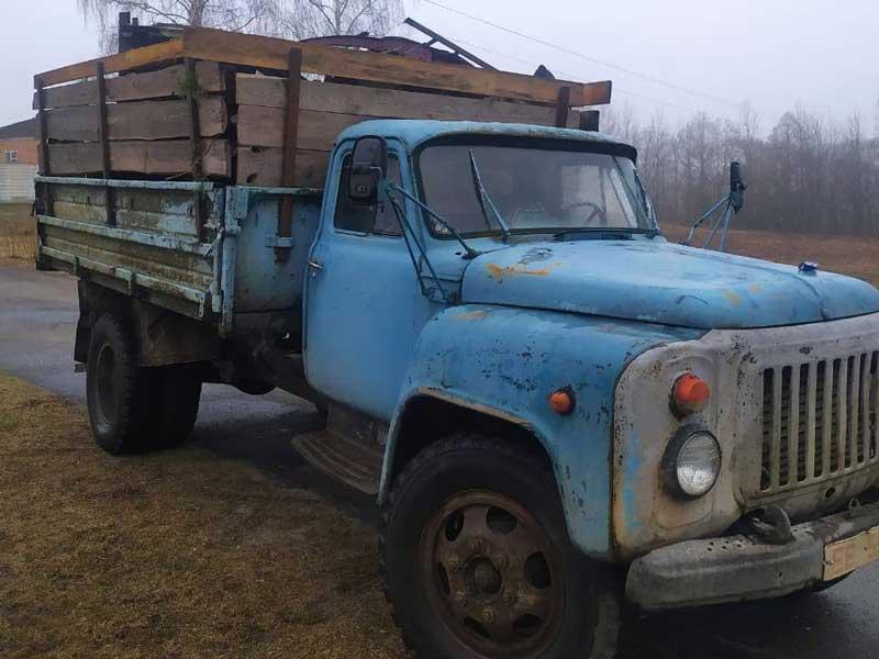 Из Белоруси в Брянскую область пытались ввезти 8 машин металлолома